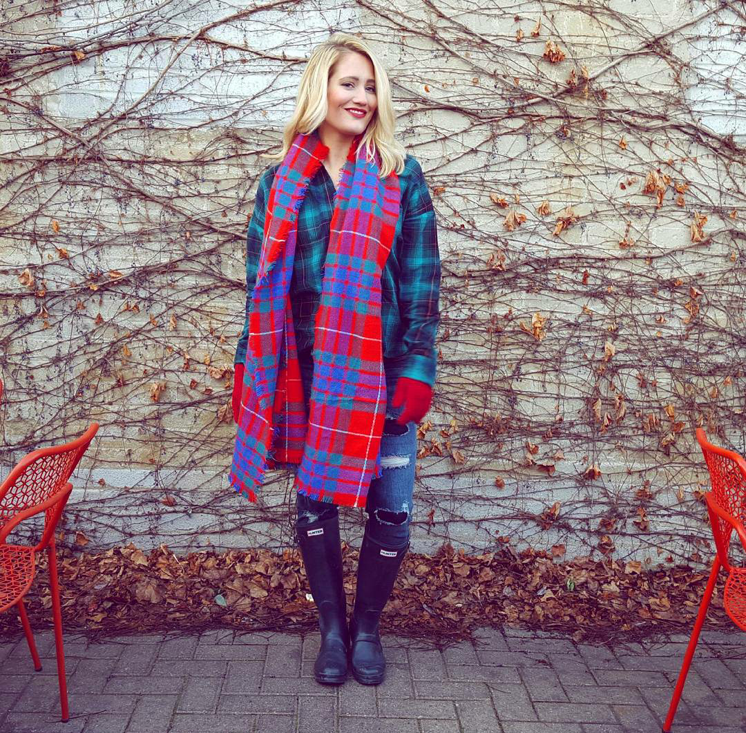 HOLIDAY PLAID